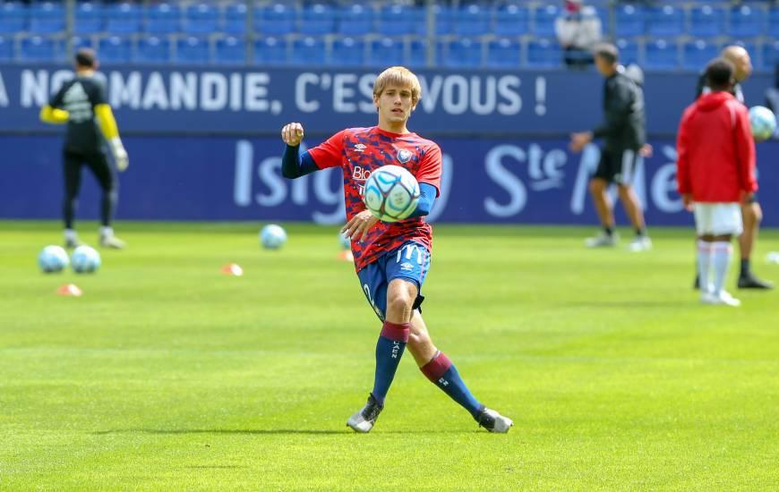 Professionnel depuis cette saison, Loup Hervieu a fait ses débuts à domicile face à l'AC Ajaccio en début de saison