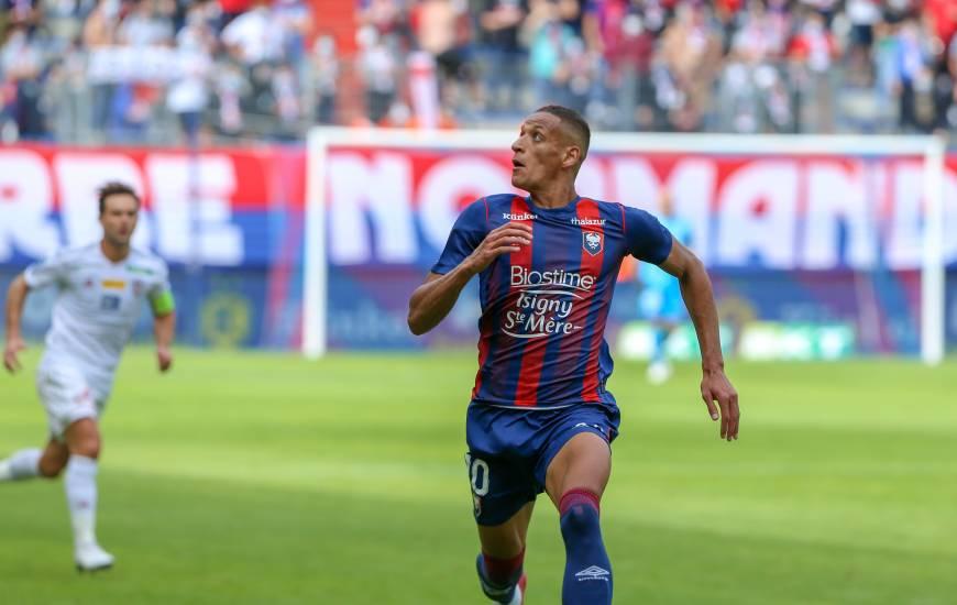 Yacine Bammou est le premier joueur du mois Künkel de cette saison 2020 / 2021 de Ligue 2 BKT
