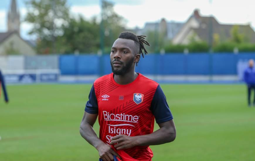 Absent des trois dernières rencontres du Stade Malherbe, Steeve Yago fait son retour dans le groupe convoqué par Pascal Dupraz