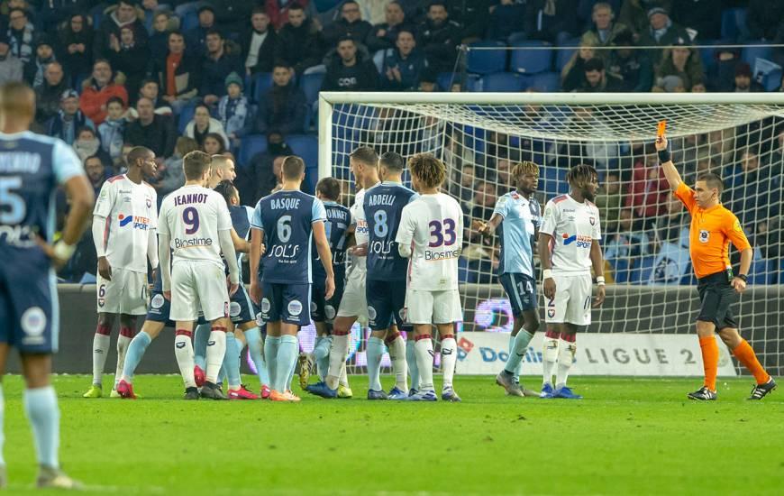 Le Stade Malherbe Caen réduit à 10 après l'expulsion de Steeve Yago la saison dernière face au Havre