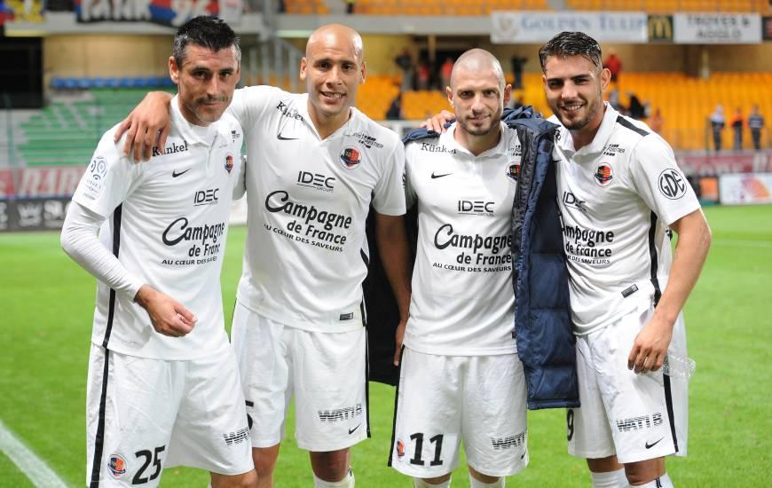 La joie de Julien Féret et ses coéquipiers après la victoire (1-3) sur la pelouse de l'ESTAC en 2015