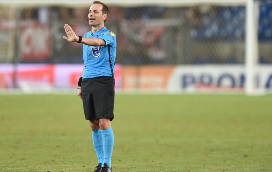 Florent Batta avait arbitré le Stade Malherbe Caen lors du déplacement sur la pelouse de Valenciennes en début de saison