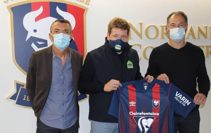 Boris Varin aux côtés de Stéphane Pilard (association du SM Caen) et Stéphane Nado (centre de formation)