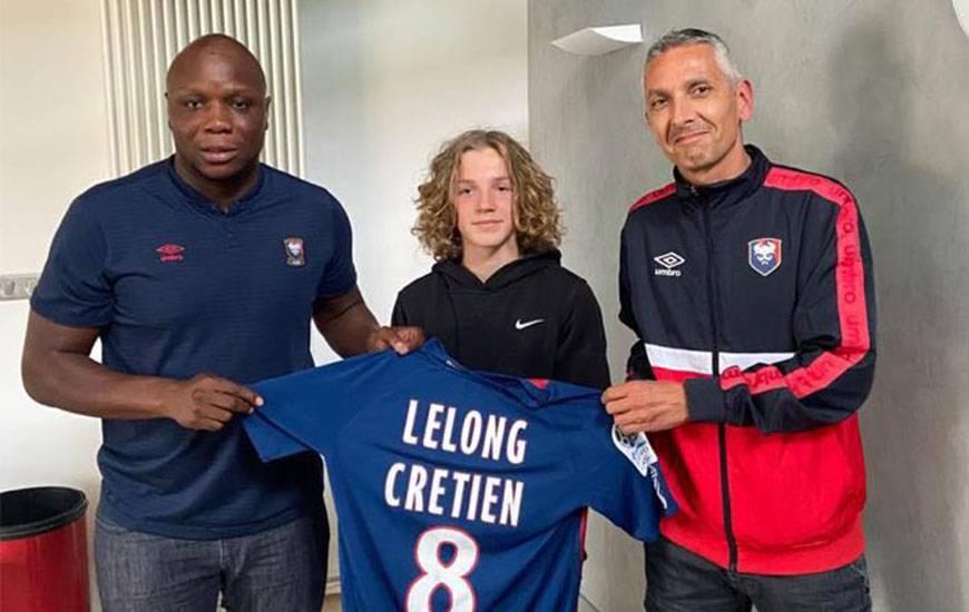 Timéo Lelong-Chrétien aux côtés de Djibi Diao (reponsable recrutement formation) et Fred Moigne (recruteur formation)