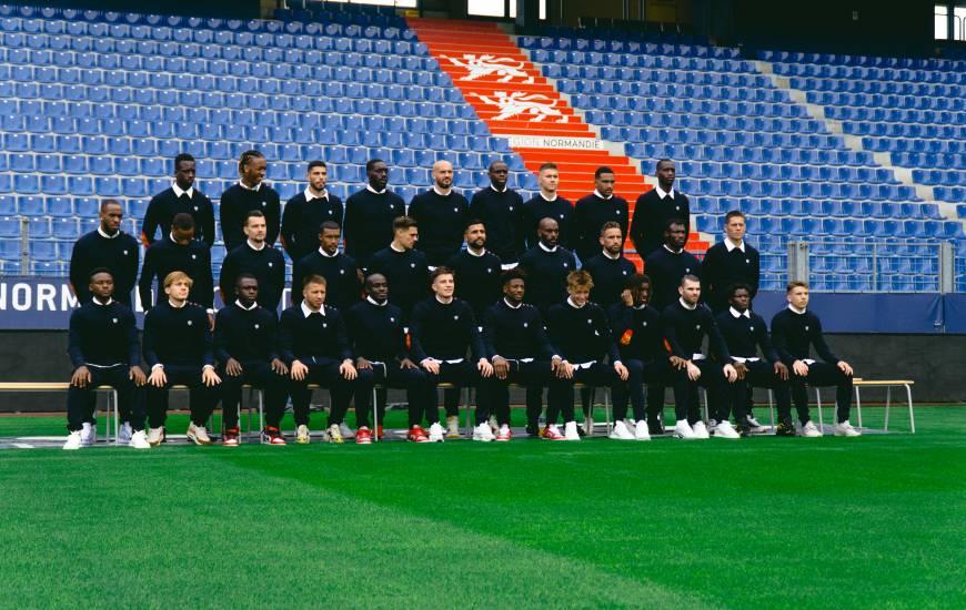 Les joueurs du Stade Malherbe Caen ont pris la pose pour la photo officielle 21/22