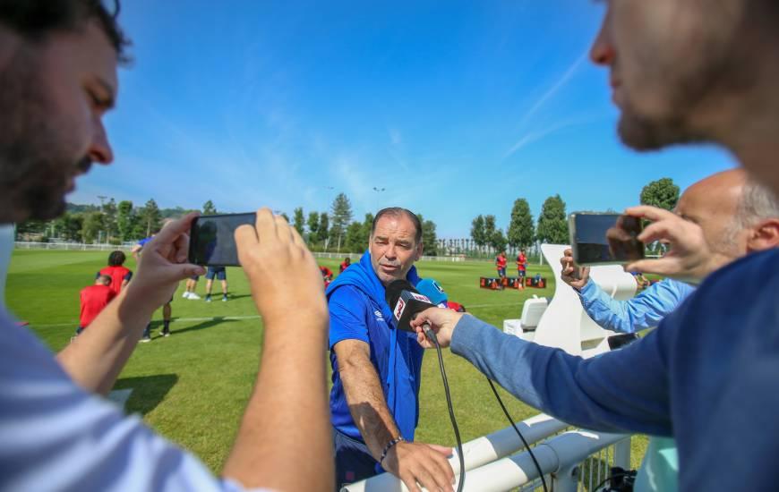 Stéphane Moulin a répondu aux questions de la presse locale avant sa première en match officiel avec le Stade Malherbe