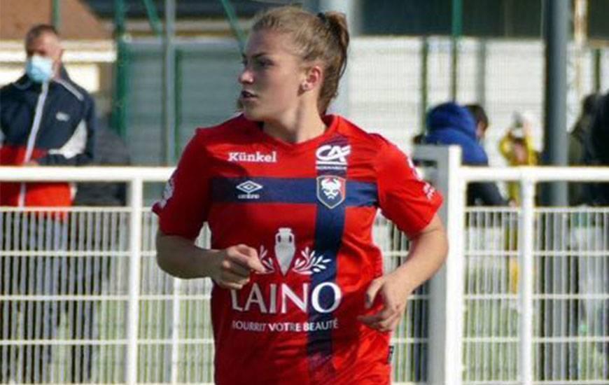 Juliette Arthur était titulaire dimanche après-midi avec les seniors du Stade Malherbe face à l'OC Briouze