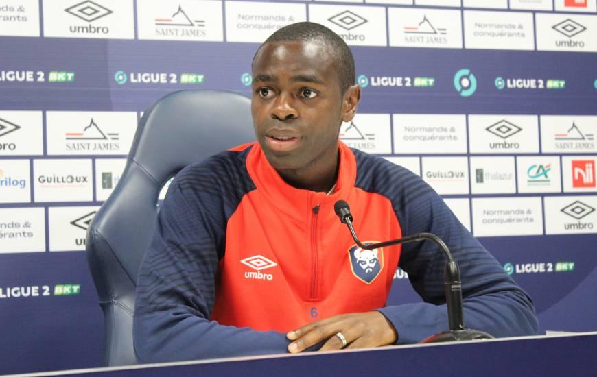 Prince Oniangué s'est exprimé devant la presse ce vendredi avant le déplacement sur la pelouse de Niort