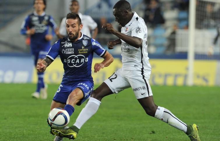 [36e journée de L1] SM Caen 0-0 SC Bastia Appiah_palmieri_3