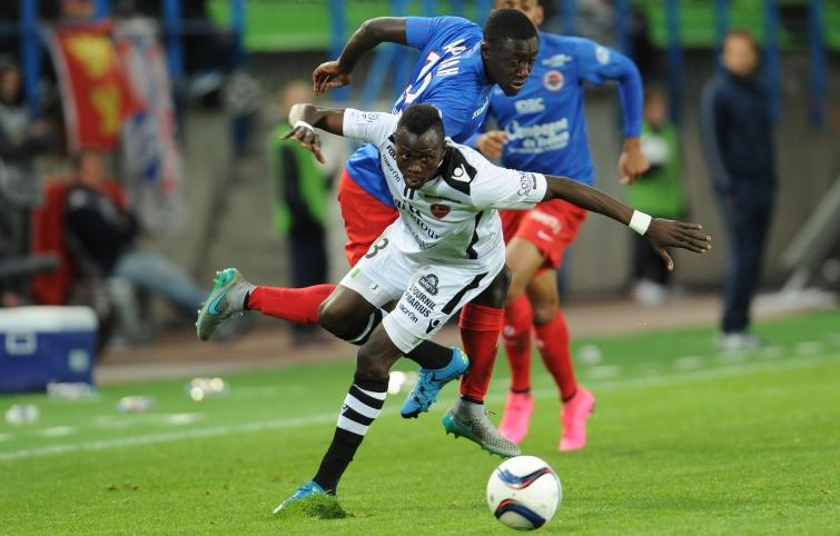[8e journée de L1] SM Caen 2-0 GFC Ajaccio - Page 2 Appiah_sylla_2