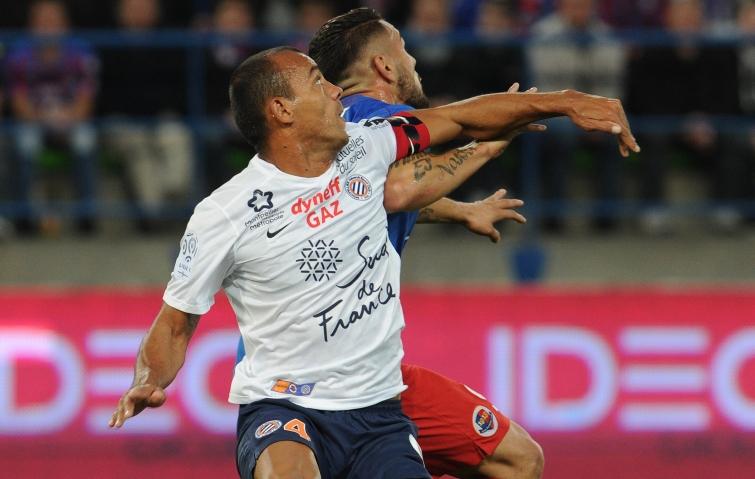 [22e journée de L1] Montpellier HSC 1-2 SM Caen  Delort_hilton_coude_a_coude