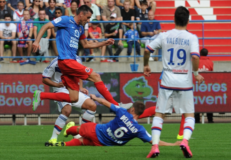 [4e journée de L1] SM Caen 0-4 O Lyon - Page 2 Feret_fekir_1