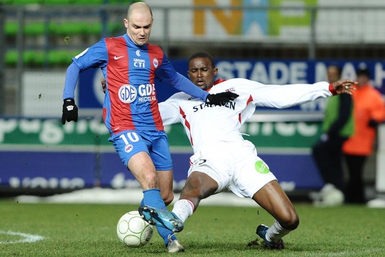 [13e journée de L1] SM Caen 2-1 EA Guingamp Nivet_diallo_2