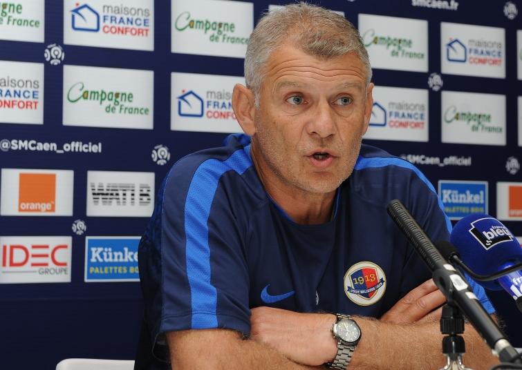 """Patrice Garande dit """"El Local"""" coach du SMC  - Page 12 P_garande_1_0"""