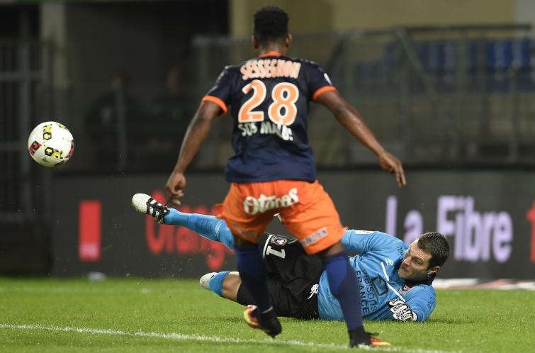 [32e journée de L1] SM Caen 0-2 Montpellier HSC Vercoutre_repousse_2