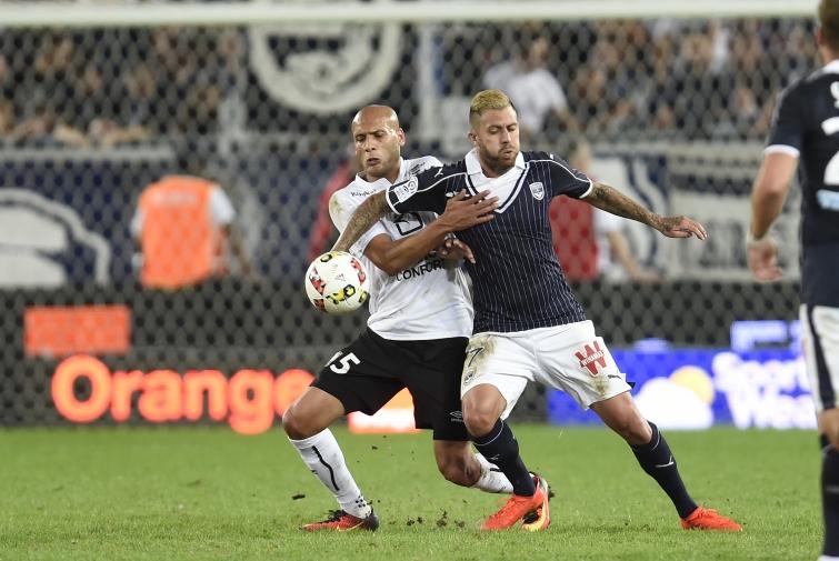 [24e journée de L1] SM Caen 0-4 FC Girondins de Bordeaux Yahia_menez_1