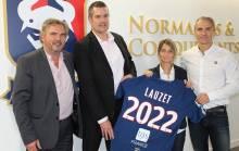 Jean-Paul Lauzet (à gauche, co-gérant de TGS France) aux côtés d'Arnaud Tanguy, Anaïs Bounouar et David Alexandre (responsable d'agence)